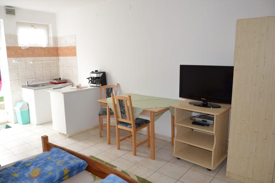 1 francia ágyas apartman – 1